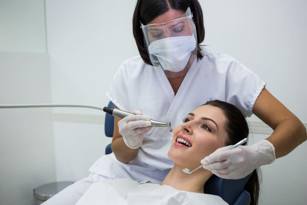 examen d'un dentiste